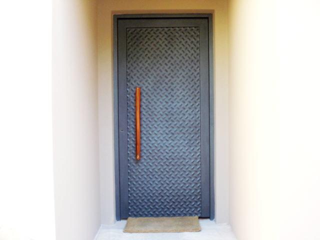 Puertas de chapa a medida materiales de construcci n - Puertas de chapa ...